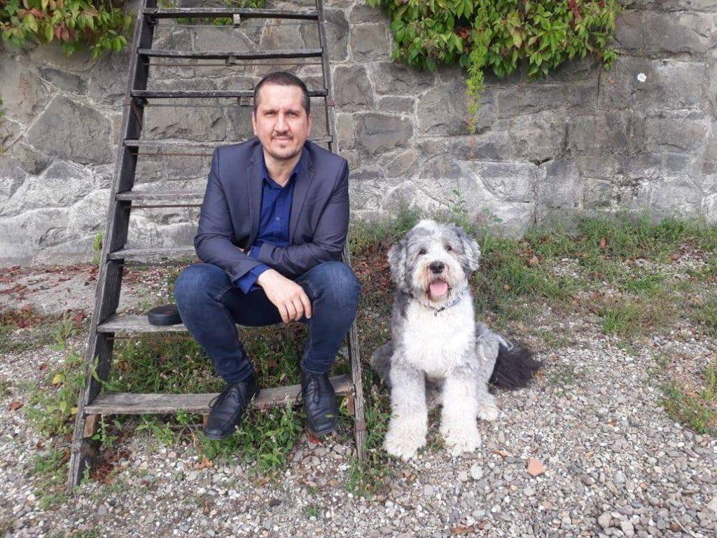 Antal Gábor és kutyája